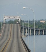 SR520 floating bridge spans Lake Washington between Seattle and East Side communities.